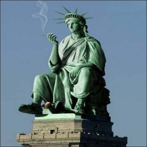 Statue Of Liberty Cig Break